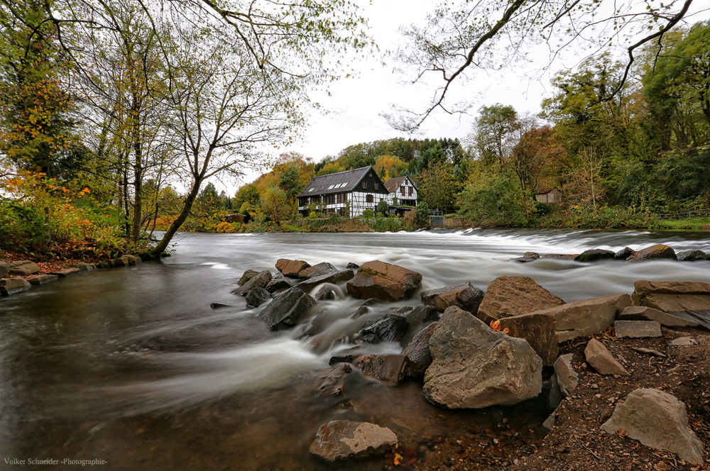 das Haus am Fluß -2-