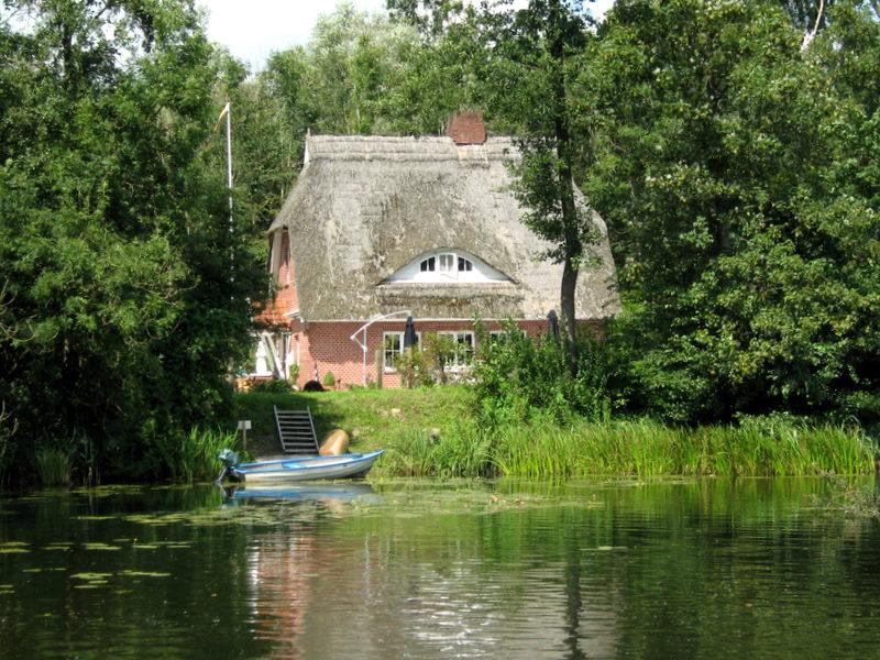 Das Haus am See Foto & Bild