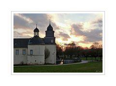 Das Haus oder auch Schloß Martfeld, in Schwelm ,gestern Abend bei schönen Sonnenuntergang.