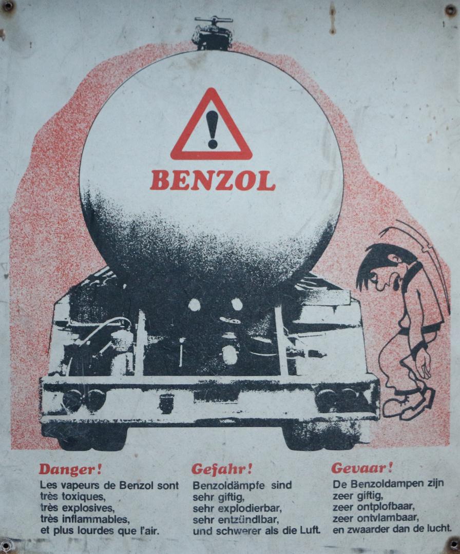 Das historische Schild - Benzol