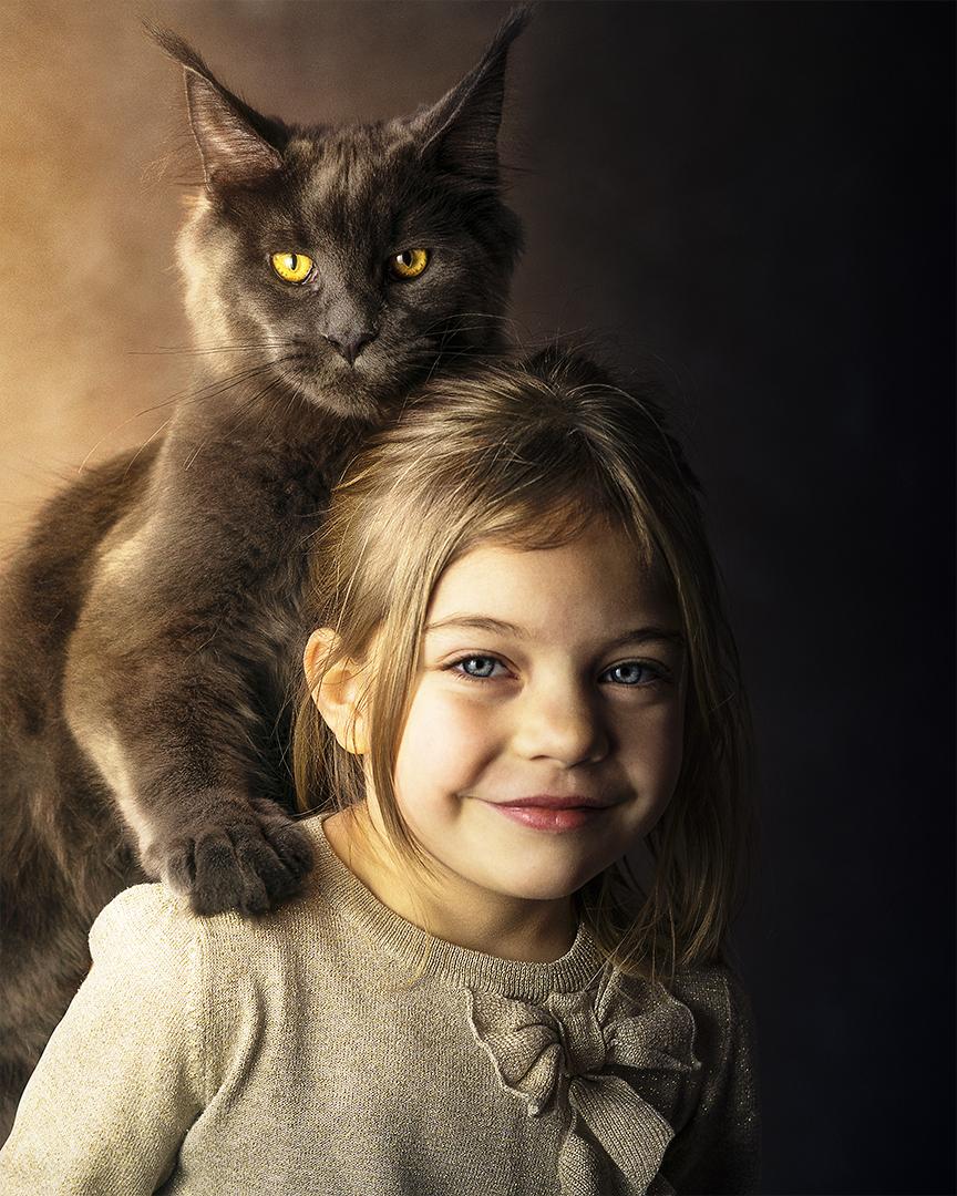 Das Kind und die Katze