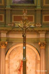 Das Kreuz der Basilique-Cathedrale Marie-Reine-du-Monde
