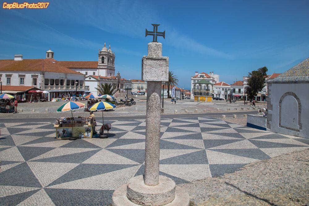Das Kreuz des Christusordens im Wallfahrtsort Nazare Sitio