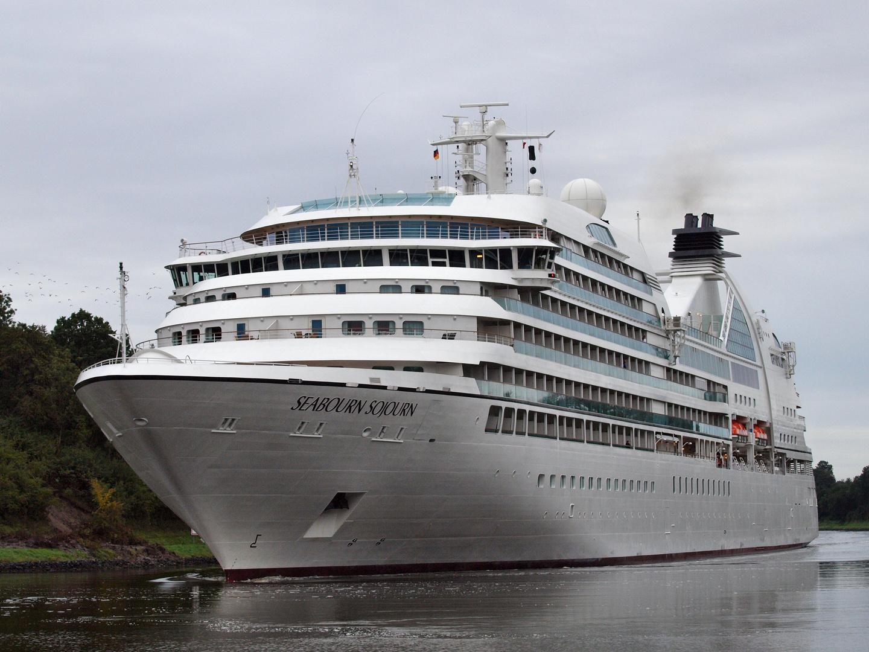 Das Kreuzfahrtschiff SEABOURN SOJOURN auf dem NOK