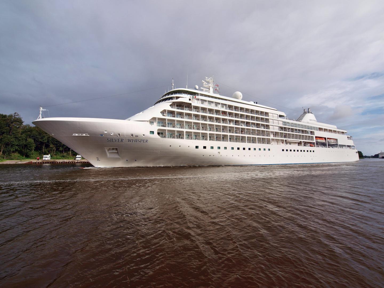Das Kreuzfahrtschiff SILVER WISPER auf dem Nord-Ostsee-Kanal