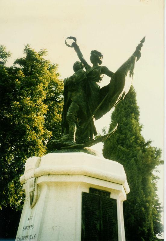 Das Kriegerdenkmal von Albertville (Savoyen)
