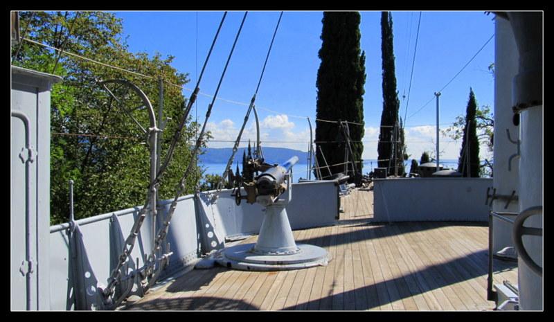Das Kriegsschiff des Gabrielle Annuzio auf dem Areal seiner Villa