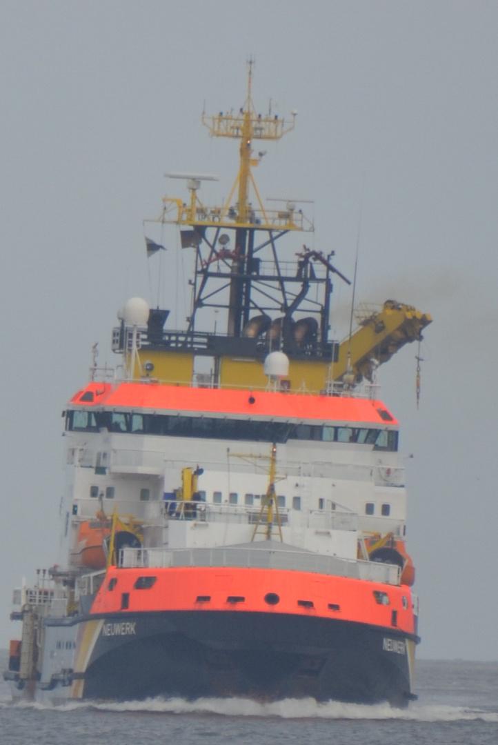 das Küstenwachschiff Neuwerk auf Fahrt