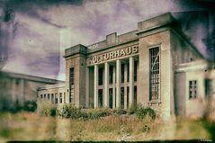 """- das Kulturhaus """"Deutsch-Sowjetische Freundschaft"""" -"""