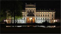 Das Ludwigsluster Schloß bei Nacht