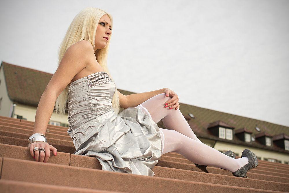Das Mädchen Auf Der Treppe