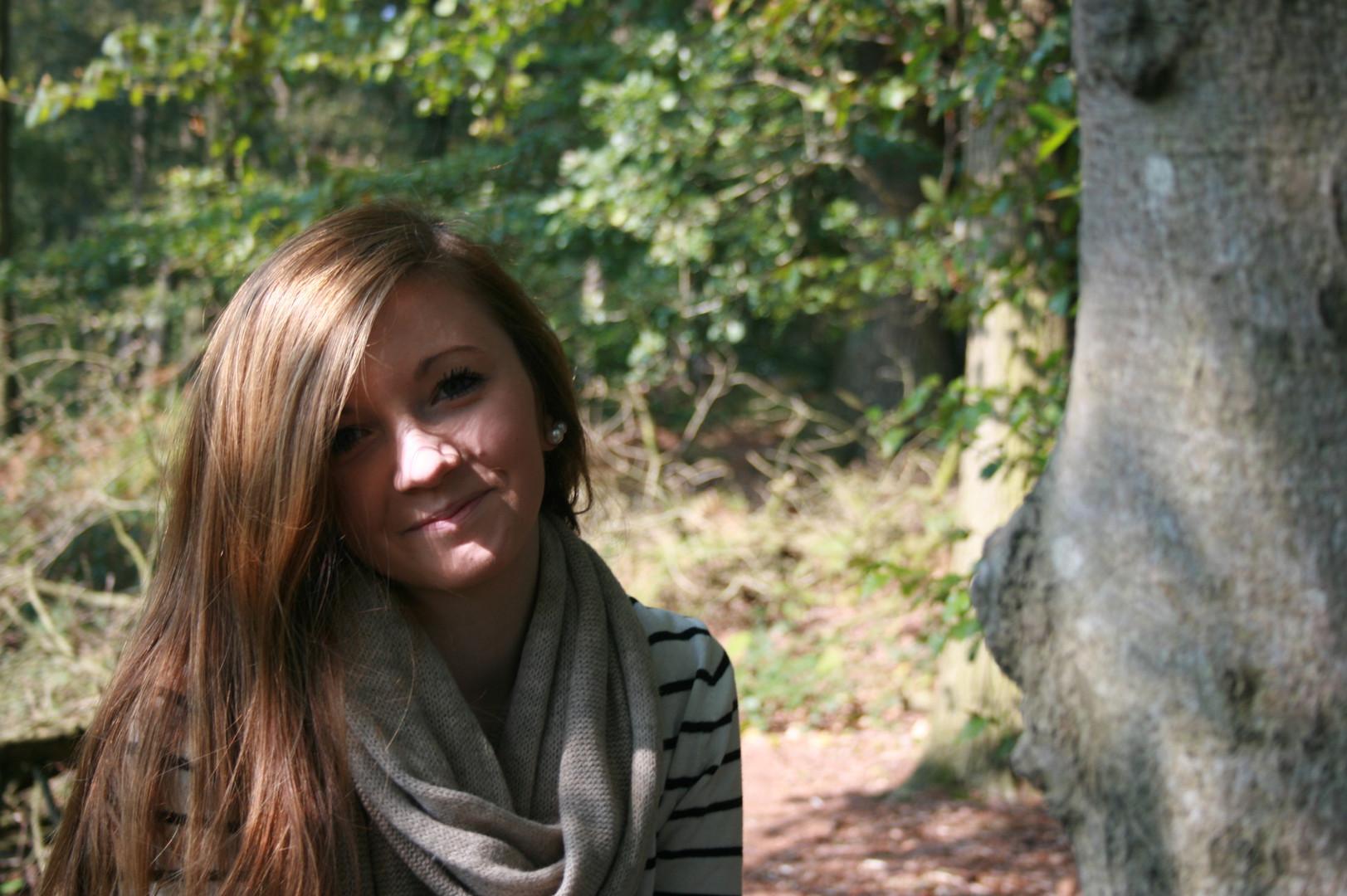 Das Mädchen im Wald Foto & Bild | jugend, outdoor