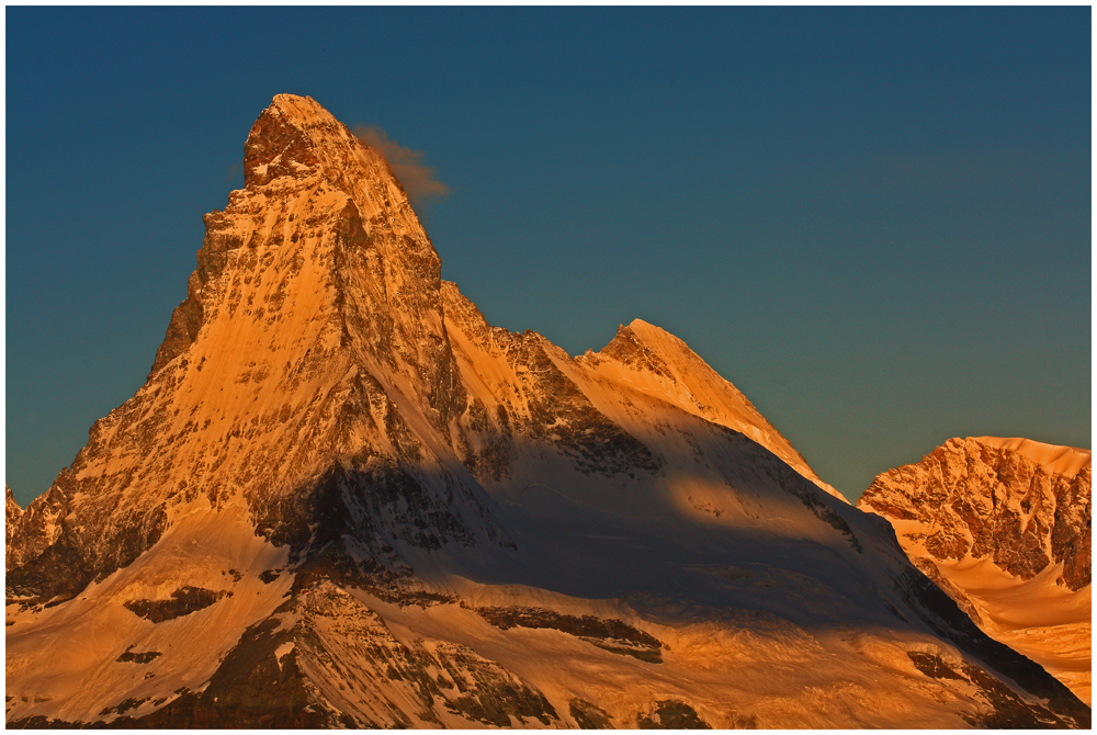 das Matterhorn im ersten Sonnenlicht