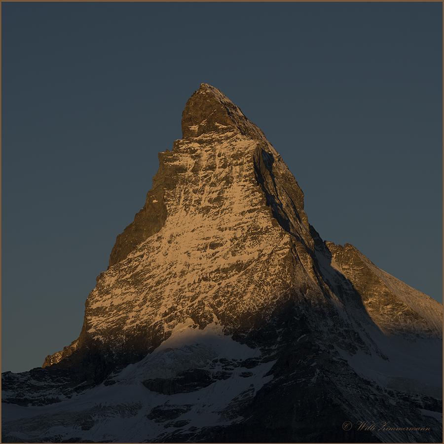 Das Matterhorn, im ersten Sonnenlicht...