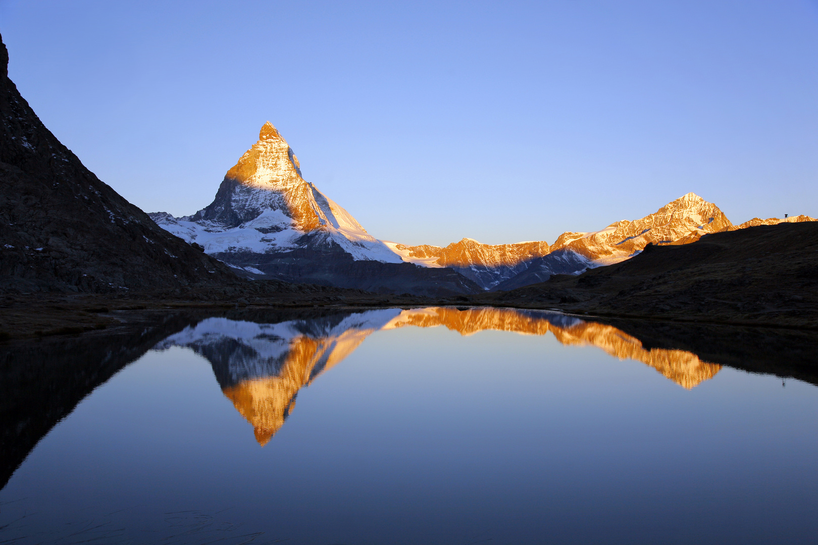 Das Matterhorn mit Spiegelung im Riffelsee