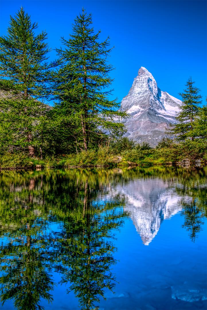 Das Matterhorn über dem Grindjisee