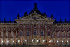 Das Neue Palais ist ein Schloss an der Westseite des Parks Sanssouci in Potsdam