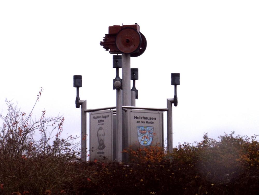 Das Nicolaus Otto-Denkmal...