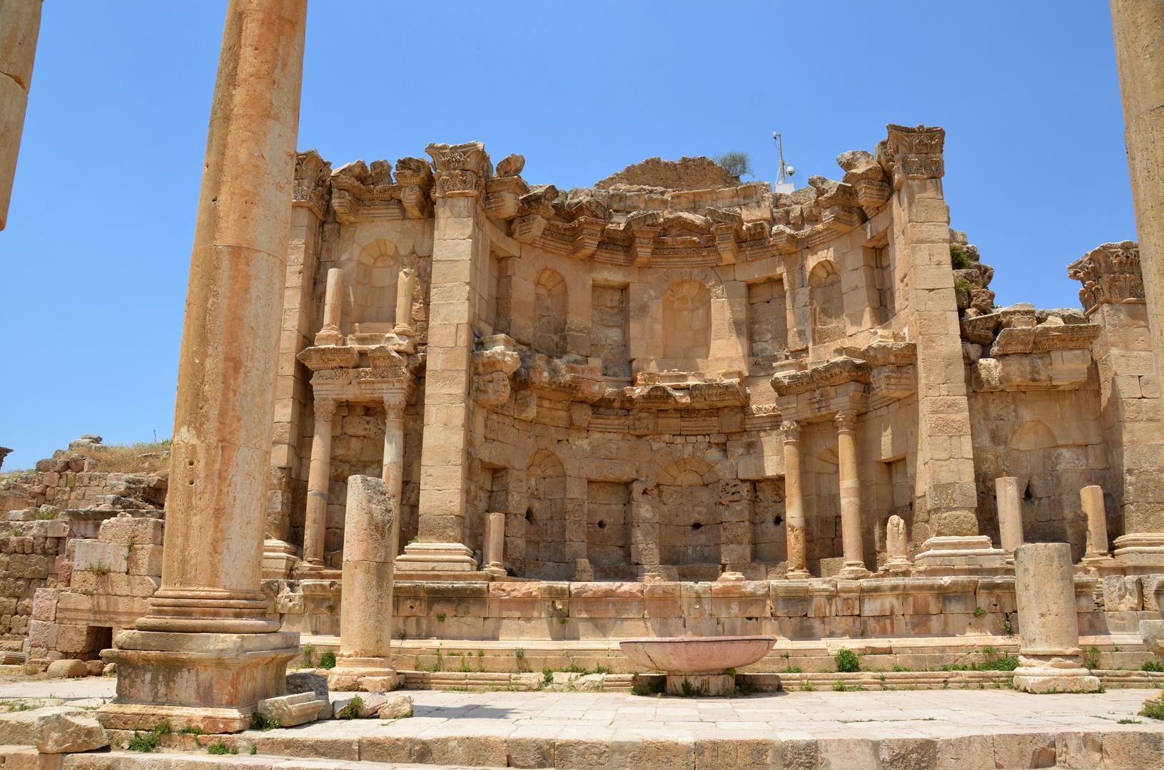 Das Nymphaeum, der Stadtbrunnen des antiken Gerasa
