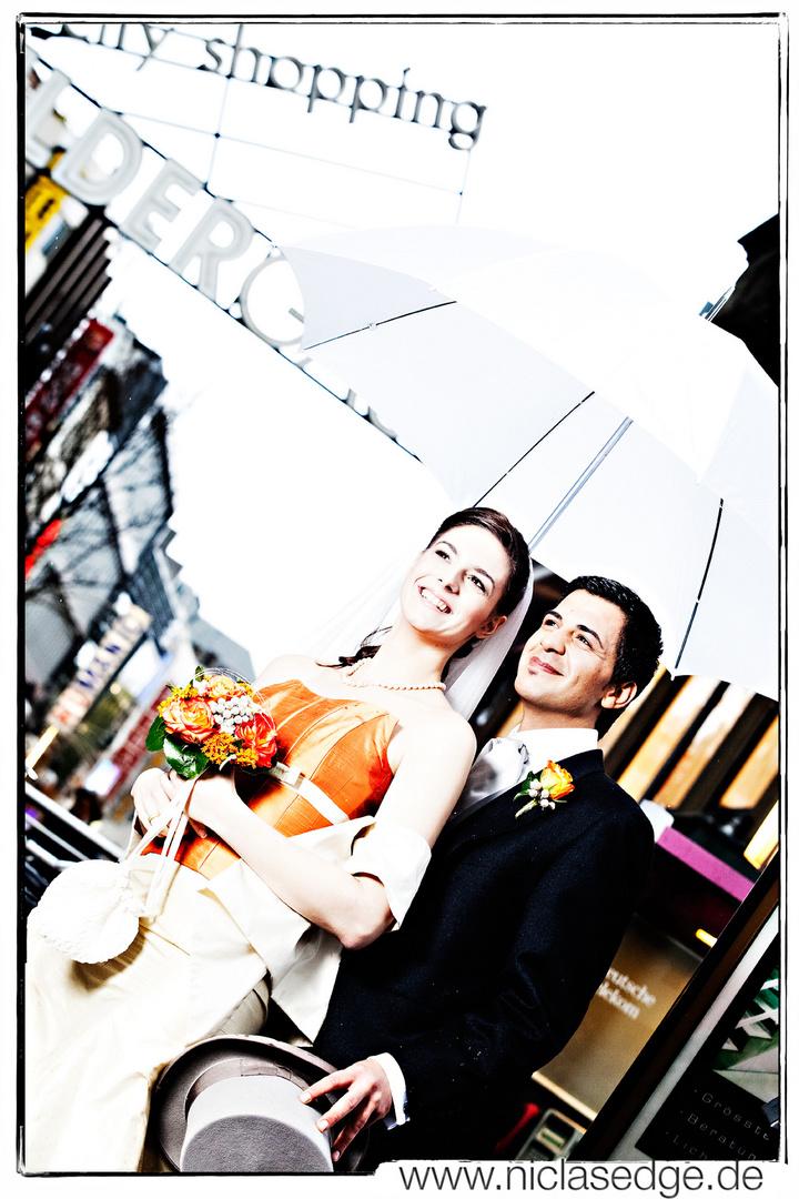 Das Paar Am Neumarkt In Der Kolner Innenstadt Foto Bild Hochzeit