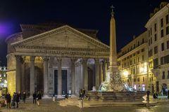 das Pantheon in der Nacht