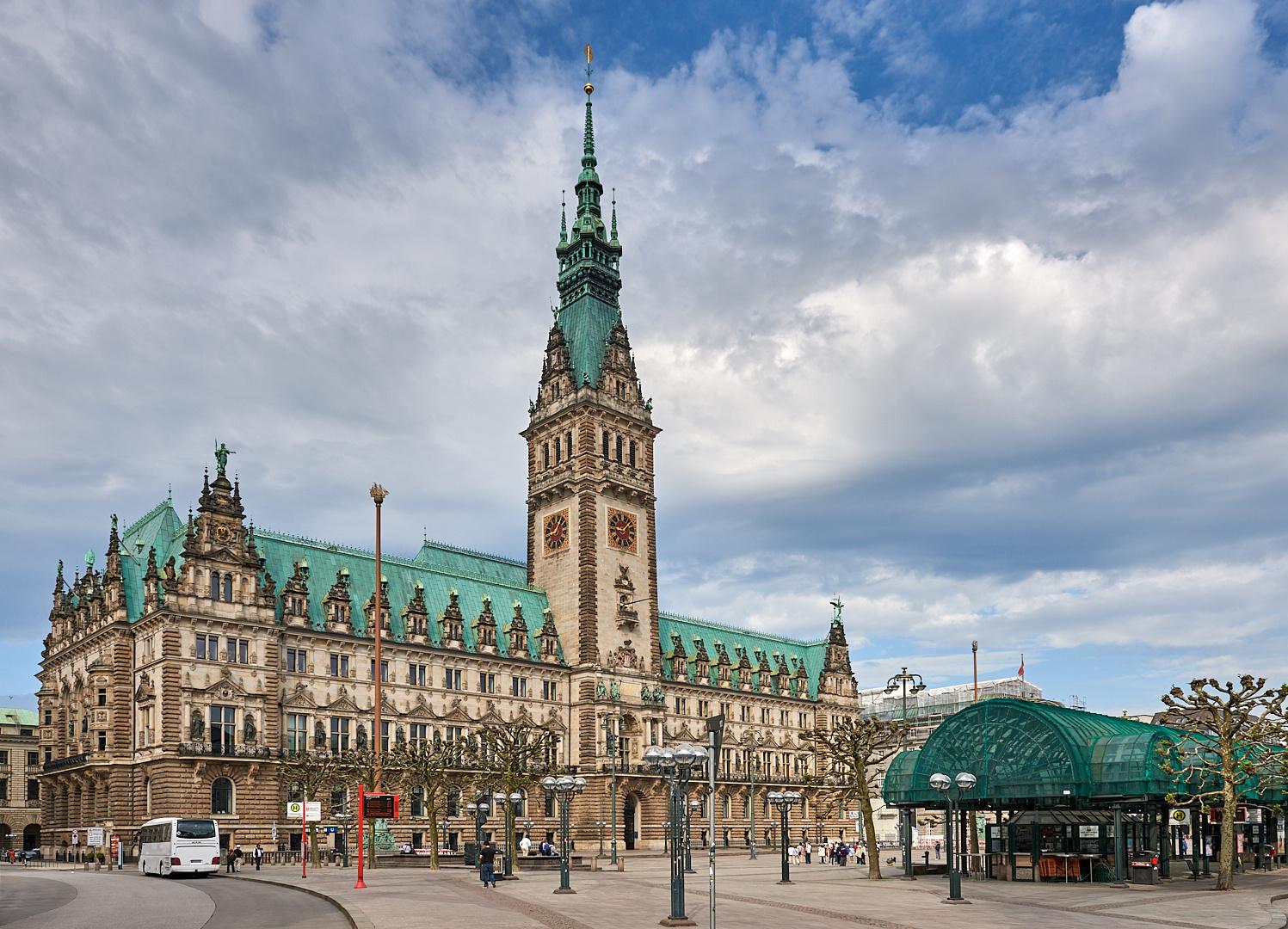 Das prächtige Hamburger Rathaus, der Sitz der Bürgerschaft...
