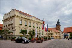 Das Rathaus und die Stadtkirche