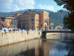 Das Rathaus von Sarajewo