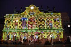 Das Rathaus zur Lichtwoche 2020 in Rostock