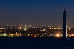 Das Ruhrgebiet bei Nacht II (Halde Hoheward)