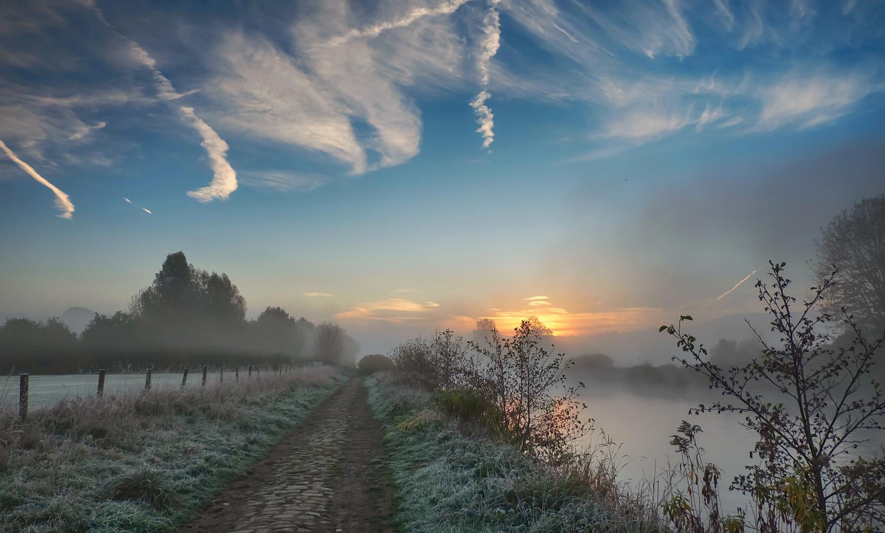 Das Ruhrtal im Nebel (2)