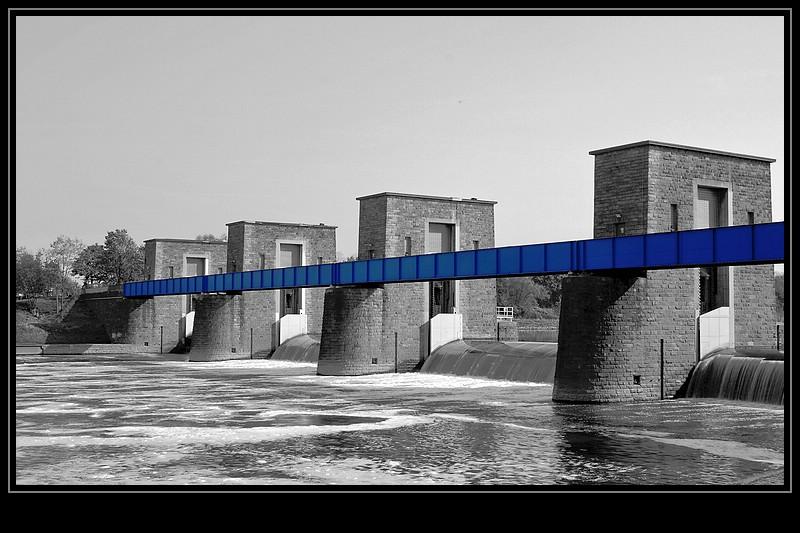 Das Ruhrwehr in Duisburg Ruhrort