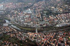 Das Saaleknie mit der Innenstadt von Jena