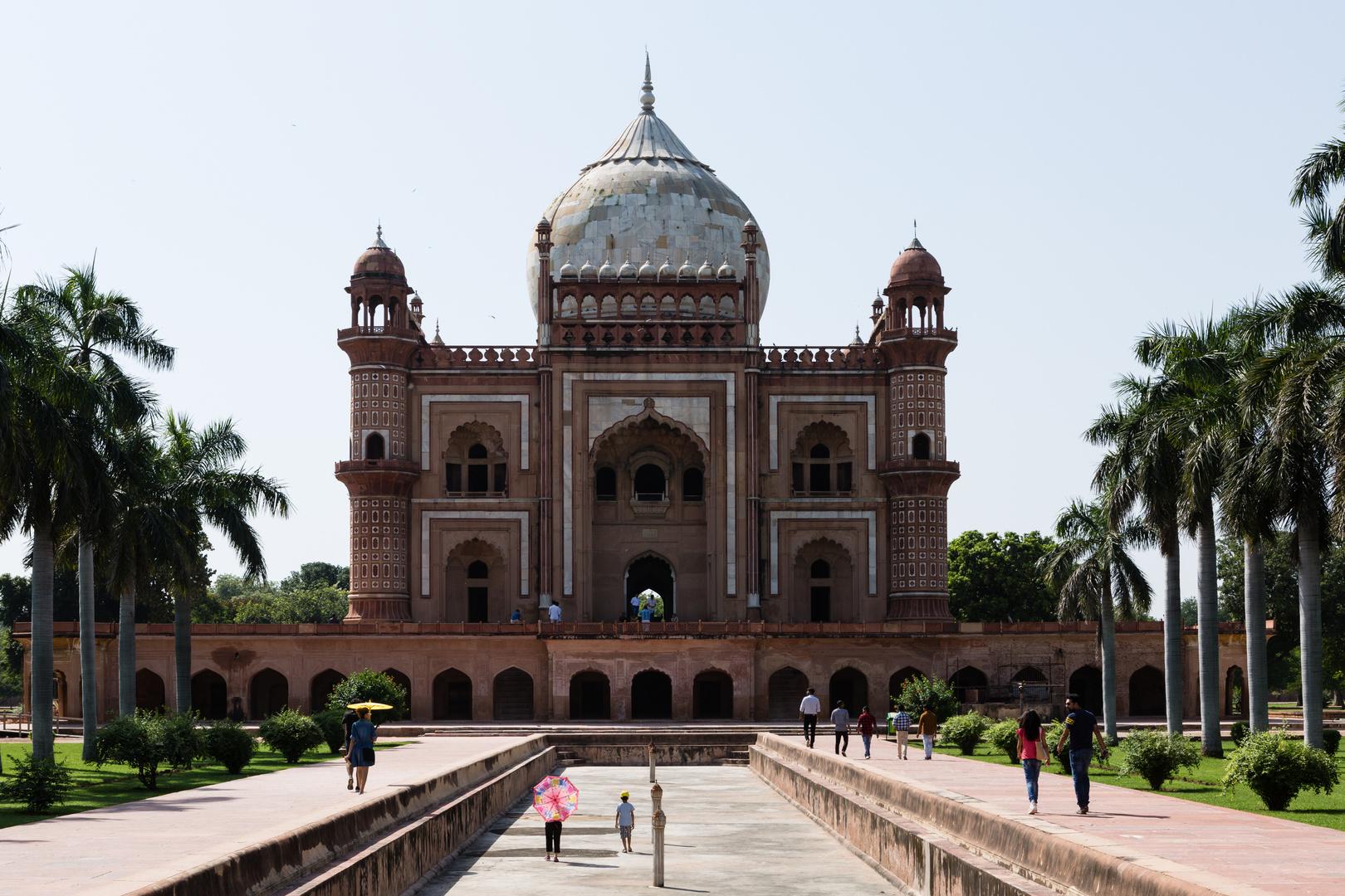 Das Safdar-Jang-Mausoleum (1)