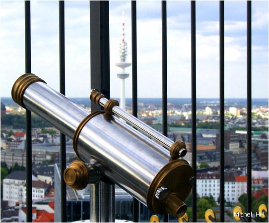 ....Das scharfe Rohr.....der unscharfe Fernsehturm...