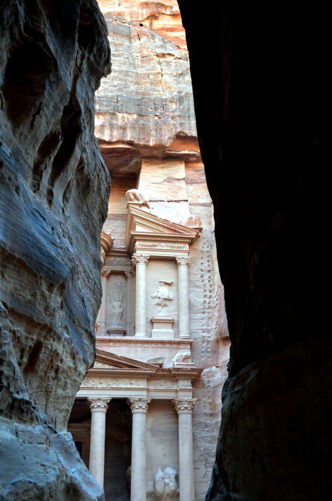Das Schatzhaus in Petra vom Ausgang des Siq