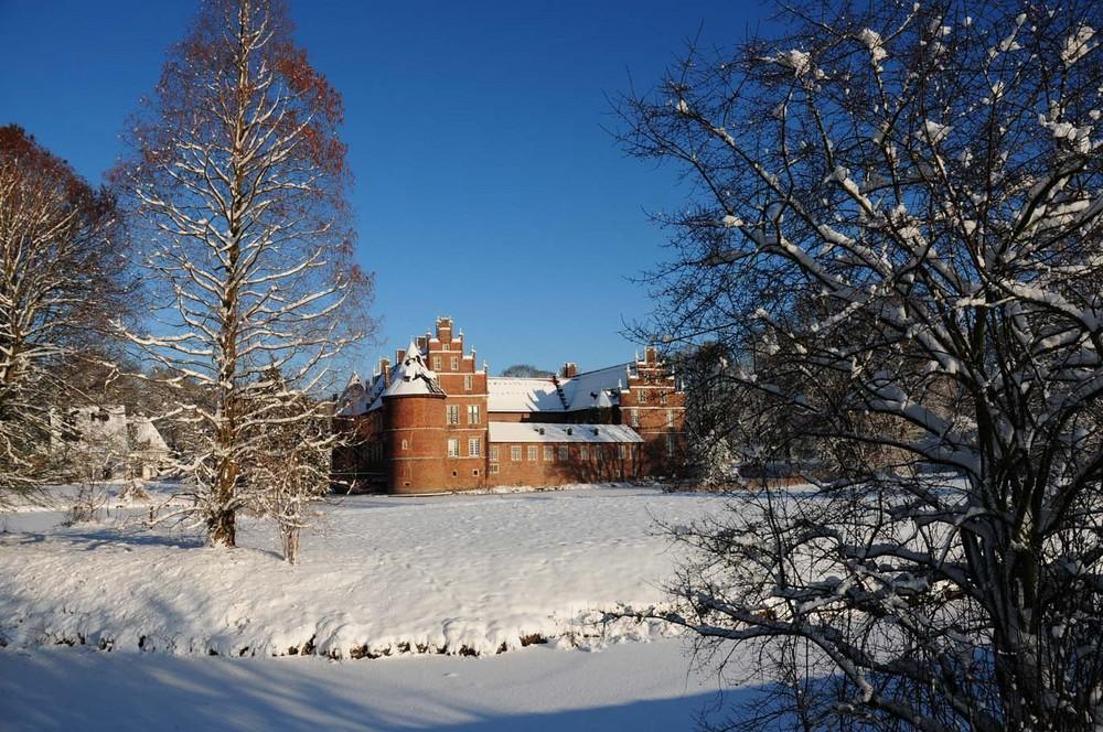 Das Schloß im Schnee