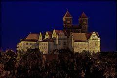 Das Schloss und die Stiftskirche