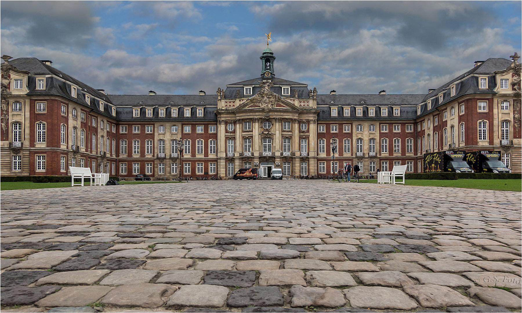 Das Schloss von Münster .....