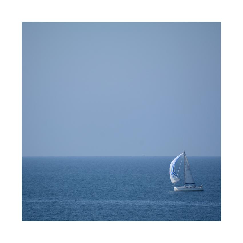 das Segelboot..