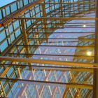 Das Spiel zw. Glas & Holz