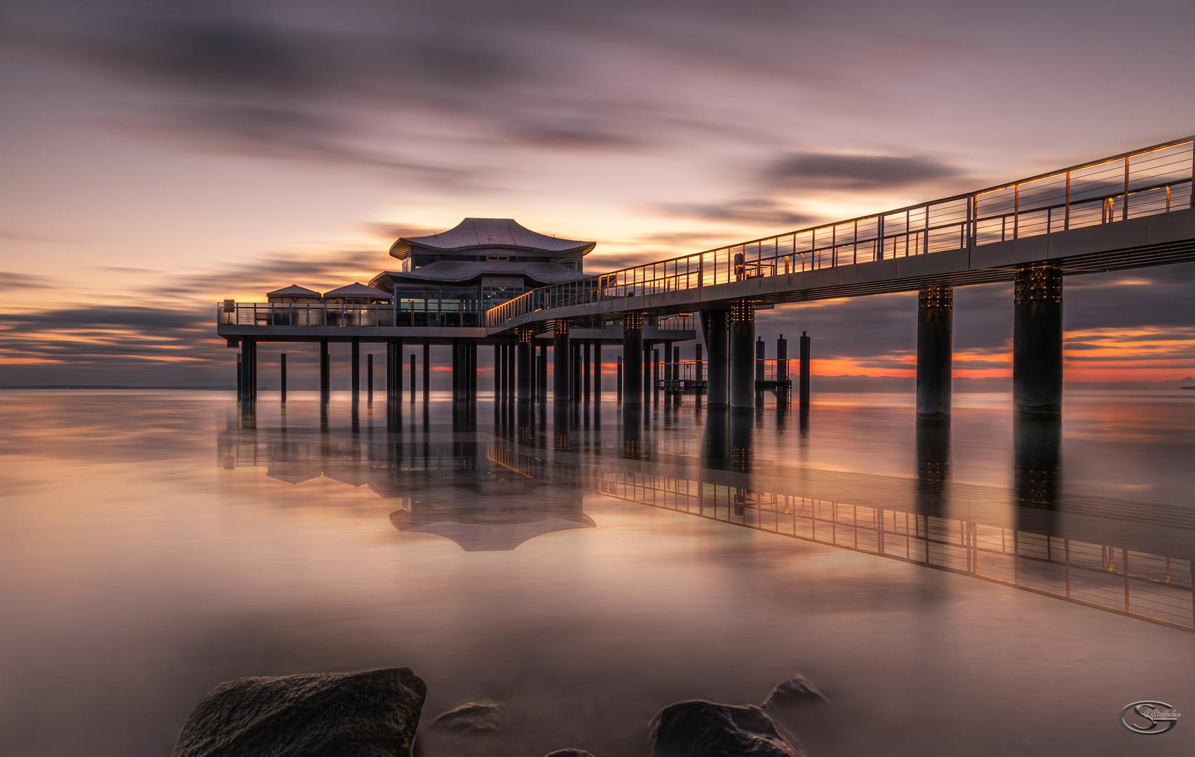 Das Teehaus vor dem Sonnenaufgang