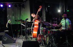das Trio mit der Pianistin Anke Helfrich