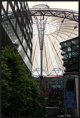 ...Das Ufo vom Potsdamer Platz...