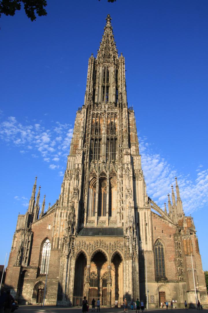 Das Ulmer Münster Ist Die Kirche Mit Dem Höchsten Kirchturm Der Welt
