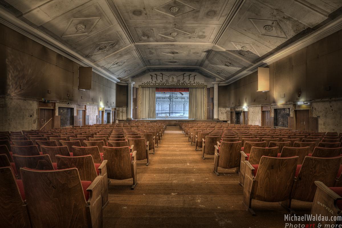 Das vergessende Theater