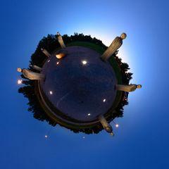 Das Versprechen Little Planet Abend