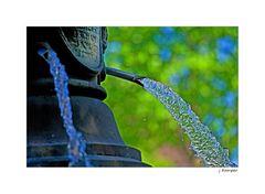 - das Wasser fließt -