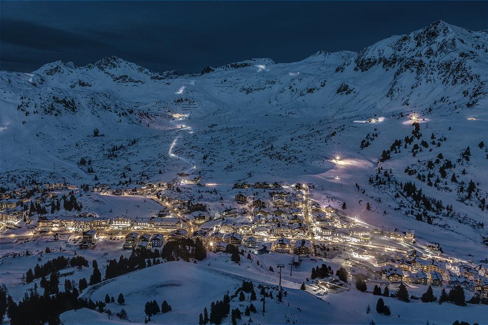Das winterliche Obertauern bei Nacht