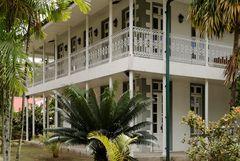 Das wunderschöne, alte Gebäude im victorianischen Stil nochmal aus anderer Perspektive